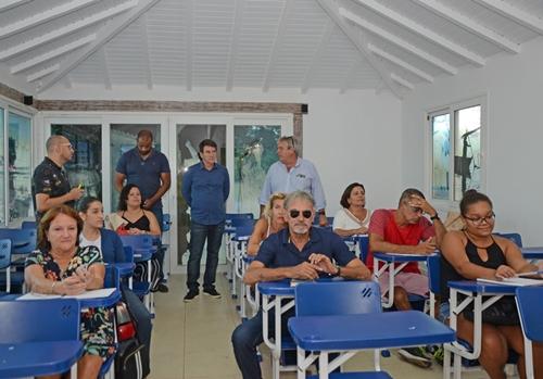 Começam as aulas do Centro de Idiomas de Búzios